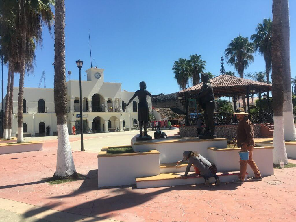 The plaza of a Mexican town - Life in Mexico   MKB
